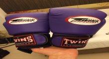 Heavy Bag Gloves vs Boxing Gloves