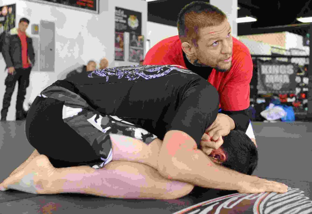 overviews of really good rash guards for MMA